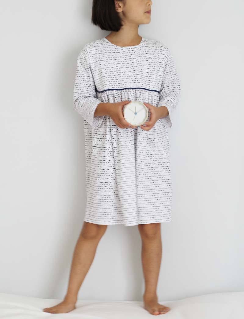 fn-bw-piping-dress3