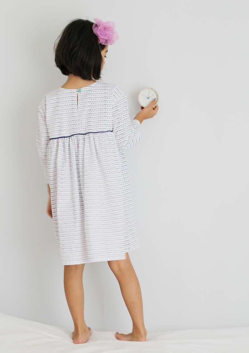 fn-bw-piping-dress4