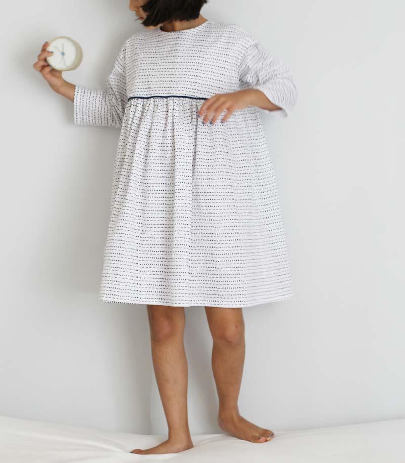 fn-bw-piping-dress5