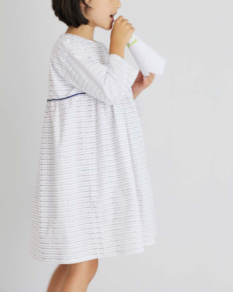 fn-bw-piping-dress8