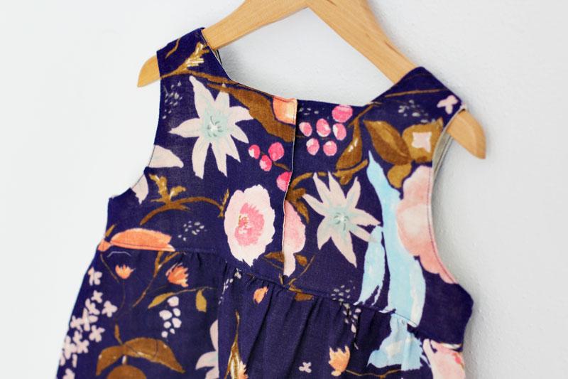 nani-IRO-rakuen-dress2