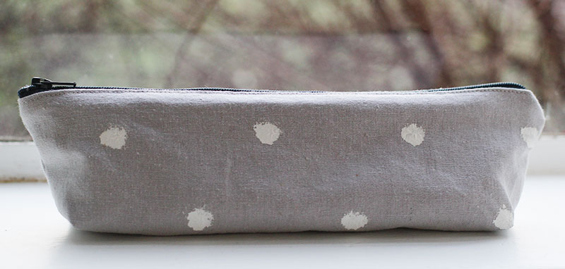 polka-dot-pencil-case1