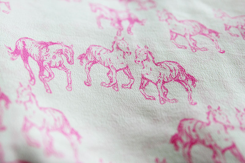 pink-horses-fabric1