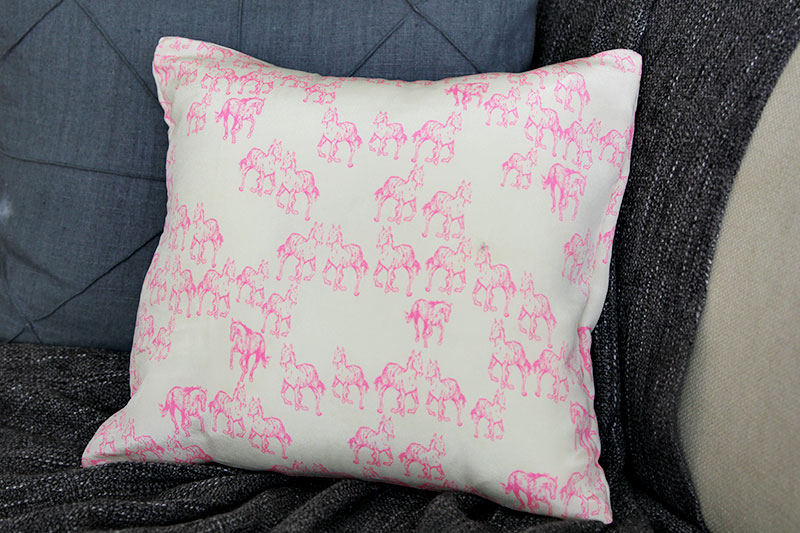 unicorn-pillow3
