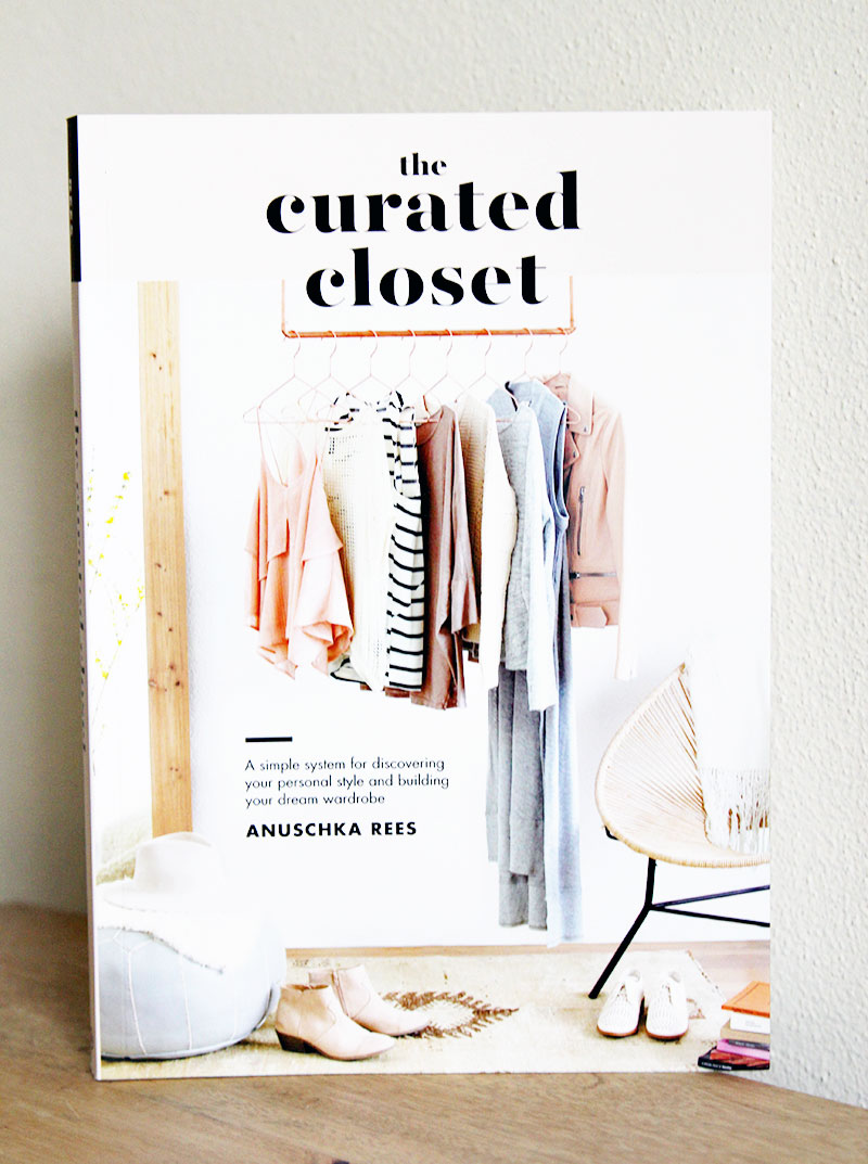 giveaway-thecuratedcloset1